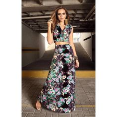E quando a gente se apaixona?! ❤️ {colete jeans usado como cropped nesse look + saia longa perfeita} Daqueles que não quer mais tirar de tão lindo!•❥❀❥•