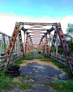 Old Bridge . . . . Loc: Siluk Imogiri Bantul . . . .  #wehaveweshare #landscape #landscape_capture #landscape_lovers #landscaping #landscaper #landscapephotography #nature #exploregunungkidul #explorejogja #exploreindonesia #pesonajogja #jogjainfo #jogjamedia #jogjagraphy #pojokjogja #detailjogja #dolanjogja #berandajogja #piknikjogja #jalanjalan #jogjalan #explorebantul #instanusantara #instanusantaradiy #myshot #jelajahbantul #kerengan by Jelajah Bantul