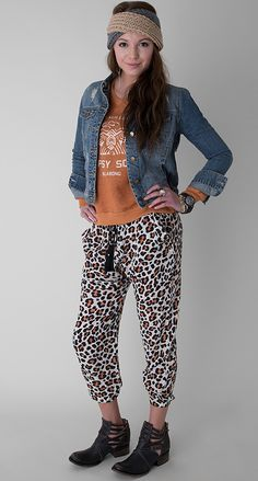 Be Amused - Women's Outfits | Buckle I want the boots