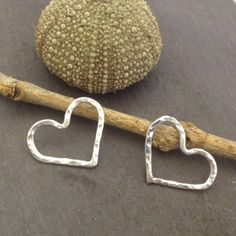Silver heart earrings  by silverappledesigns on Etsy, $40.00 Silver Apples, Heart Earrings, Straw Bag, Trending Outfits, My Style, Unique Jewelry, Handmade Gifts, Etsy, Vintage