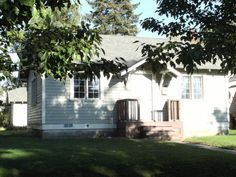 $595 - 1BR/1BA House - 506 North 3rd Avenue, Walla Walla, WA 99362 US - House Rental Listing - PadLister Available now! Off street parking area. No Pets or smoking.
