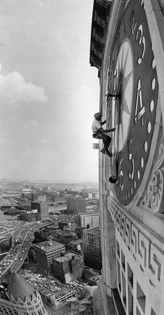A worker repaints the face of Boston's Custom House clock 1976 - Photography Techniques Mixed Media Photography, Creative Photography, Street Photography, Old Pictures, Old Photos, Today Pictures, Foto Picture, Photos Originales, All Nature