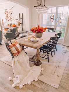 Simple and easy fall decor ideas for your home this season! Come take a tour inside my home to see how I styled it for fall!