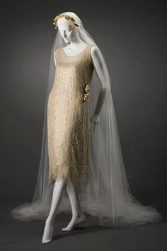 1921, France Silk wedding dress Cincinnati Art Museum