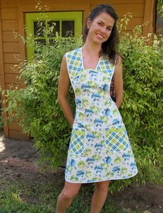 Florals and Plaids Vintage Everyday Housewife Apron by momomadeit