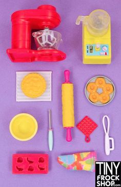 Vogue Worthy New & Resale Barbie & Fashion Doll Department Store : Barbie Hipster Cookware Set with Working Food Processors Barbie Doll Set, Barbie Sets, Doll Clothes Barbie, Bratz Doll, Barbie Dream, Barbie House, Barbie And Ken, Barbie Stuff, Barbie Playsets