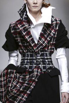 Aganovich Ready To Wear Fall Winter 2015 Paris - NOWFASHION