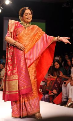 Kirron Kher in a traditional Bengali sari for Gaurang Shah | Lakme Fashion Week