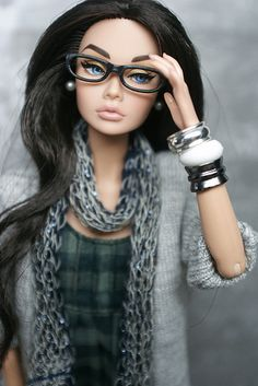 Previous pinner said: Do Barbies look like this now? I might have felt better about myself growing up if I'd had her! ~ But this is not Barbie, it is Poppy Parker Barbie Style, Barbie I, Barbie World, Barbie And Ken, Barbie Clothes, Beautiful Barbie Dolls, Pretty Dolls, Cute Dolls, Barbie Fashionista