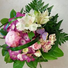 Tänään on Esterin ja Essin nimipäivä, onnittelut! Today in #Finland is the #nameday of Ester and Essi. Congratulations with this #bouquet  #kukat #flowerofinstagram #flowerslovers #flowers  #instaflowers #pioni #peony #hydrangea #kukkakauppa #florist #kotka # suomi