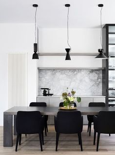 The revival of an Elsternwick residence has allowed Mim Design to create a stunning internal transformation of a historic Edwardian home. Dining Room Wall Decor, Dining Room Design, Dining Area, Decor Room, Design Kitchen, Kitchen Ideas, Bedroom Decor, Marble Benchtop, Rooms Ideas
