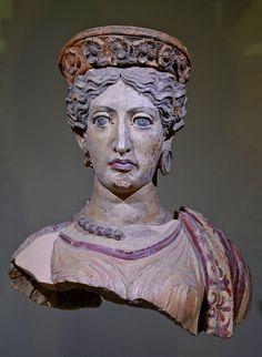 Juno (Uni), terracotta, 380b.C., National Etruscan Museum, Villa Giulia, Rome.