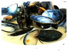 My wife and children have gone to London so I had a bowl of muscles for dinner whilst watching The Antiques Road Show.     Is your groom fit or fat? How about YOU? Want to turn on your man? For ONLY $7, you can GET IN SHAPE in ONLY 7 WEEKS.  He will benefit as much as you. :-)  Take a look at these before and after transformations: h