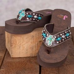 Justin Carly Cross Sandals