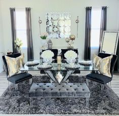 Luxury Dining Room, Dining Rooms, Dinner Room, Throw Pillows, Mansions, Interior Design, Bed, House, Furniture