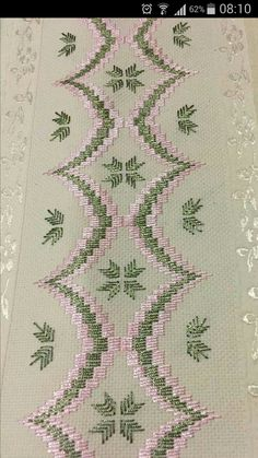 Christmas Embroidery Patterns, Embroidery Patterns Free, Embroidery Designs, Broderie Bargello, Bargello Needlepoint, Hardanger Embroidery, Hand Embroidery, Pattern Design, Bohemian Rug