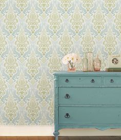 Wallpops Quatrefoil Blue L Stick Wallpaper 5 5m W 52cm And Ceiling