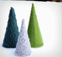 Christmas Holiday Trees Knitting pattern by yellowcosmo Christmas Knitting Patterns, Crochet Patterns, Advent, Fabric Stiffener, 3d Christmas, Christmas Ornaments, Universal Yarn, Arm Knitting, Knitting Ideas