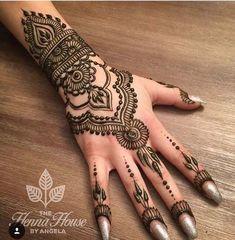 Mehndi Design For Wedding Girls