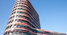 An impressive design in terms of shape and color: The new building being constructed in Hamburg for BSU (Office for Urban Development and the Environment)