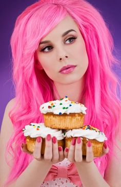 ℒᎧᏤᏋ her long bright pink hair!!!! ღ❤ღ