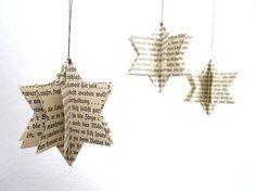 Fraktur Stern _ Anhänger - Yvonne Dekor Home Christmas Mood, Christmas Baubles, Rustic Christmas, Simple Christmas, Christmas Crafts, Christmas Paper, Newspaper Crafts, Book Crafts, Xmas Tree