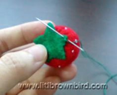 Lit'l Brown Bird's Passion: Felt Strawberries