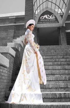 Google Image Result for http://s3.amazonaws.com/wedding_prod/photos/27c3a380d2496a7a76767fb61cdcd472_m