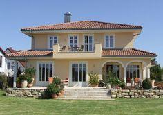 Mediterranean homes – Mediterranean Home Decor Spanish House, Balcony Design, Mediterranean Homes, Facade House, House Facades, Modern House Plans, Modern Houses, Farmhouse Plans, House Goals