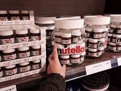 If you don't like Nutella then please, just leave. Who doesn't enjoy this chocolatey, delicious spread? Are you a Nutella lover like me, then stick around Cute Food, Good Food, Yummy Food, Sweet Recipes, Snack Recipes, Junk Food Snacks, Cute Desserts, Food Goals, Aesthetic Food