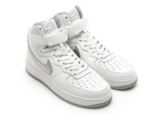 Nike Is Re-releasing The Most Iconic Basketball Shoe Of All-Time - SneakerNews.com