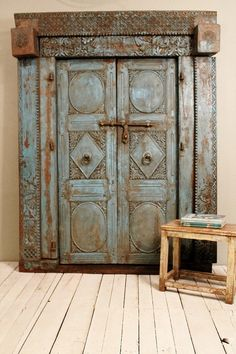 Antique Door Set Indian Hand Carved Teak Wood Blue with Frame and Lock Reclaimed Architectural Salvaged Doors, Old Doors, Windows And Doors, Front Doors, Indian Home Interior, Indian Interiors, Indian Doors, Indian Furniture, Bali Furniture