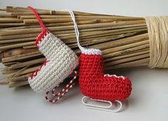 DIY Crocheted Skate Ornament - FREE Crochet Pattern / Tutorial