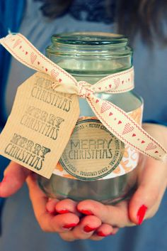 Using Jars as Gift Holders