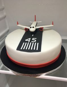 Airplane Cake, dort s letadlem