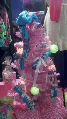 Alluring Lilly Tree #LillyHoliday
