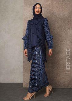 Tops Model Kebaya, Cold Shoulder Dress, Bridesmaid, Satin, Tops, Dresses, Fashion, Maid Of Honour, Vestidos