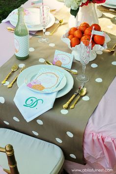 Create a parchment paper table runner - Mothers Day Brunch Ideas by A Blissful Nest  #mothersday #mothersdayideas
