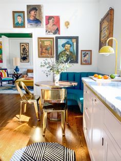 Why Kate Arends Still Won't Paint Over Her Home's Brightly Colored Walls Dining Nook, Kitchen Dining, Art Deco Kitchen, Design Kitchen, Everything But The House, Eclectic Decor, Colorful Kitchen Decor, Bright Decor, Messing