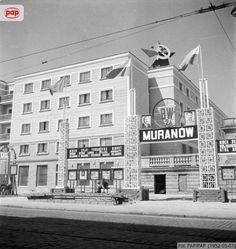 Powojenne bloki osiedla Muranów Południowy w Al. Świerczewskiego (obecnie Al. Solidarności). Warszawa, maj 1952 r.