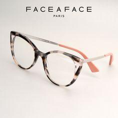 ANOUK  Les branches métal fines sont hautes pour une allure raffinée et tendance. Un manchon sculpté et facetté signe ce concept créateur. __________ #FACEAFACE_paris __________ #ANOUK #faceaface #frames #designer #paris #handmade #instaglasses #fashion #accessories #glasses #design #lunettesdevue #Opticalframes #optical #glassesporn