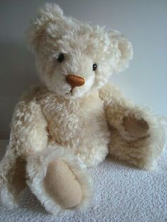 """LOVE this one....18"""" Mohair Teddy with growler.... Handmade by Lynn Berube of BERU BEARS.... Such a sweet face."""
