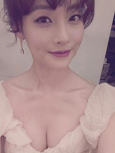 Oh Yeon Seo reveals her glamorous body for the '2012 MBC Drama Awards'