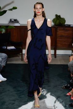 See the complete Jason Wu Spring 2017 Ready-to-Wear collection.