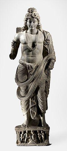 犍陀羅地區,巴基斯坦  菩薩站立 3〜4世紀 菩薩的犍陀羅灰色片岩站立的身影 雕塑,灰色片岩石材 工藝:灰色片岩石材 153.0 HX 51.0寬x 17.0厘米Ð  2006年購買的 登錄號:NGA 2006.295  主題:佛教