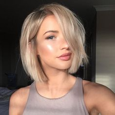 boho short lob haircut cute everyday hairstyle hairstyles for women women's haircut bangs textured waves curly hair straight hair looks for hair hair styles to try diy hair best hair trends 2018 Undercut Hairstyles, Easy Hairstyles, Latest Hairstyles, Undercut Women, Hairstyles 2018, Short Undercut, Amazing Hairstyles, Wedding Hairstyles, College Hairstyles