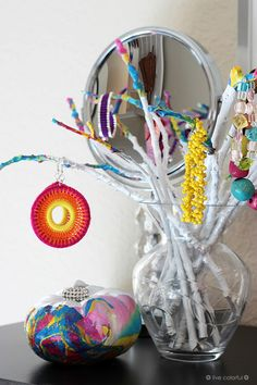 How to make an easy and adorable jewelry stand using dry branches and colorful nail polish | Live Colorful for Club Chica Circle