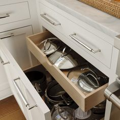 pot-lids-organizer-ideas7-3 (600x600, 227Kb)