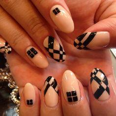 Black and nude geometric.......HOT!