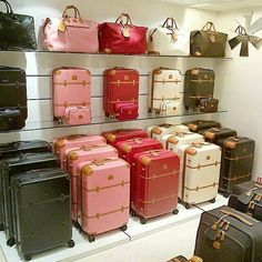 Italians do It better.ovviamente i trolley, che avete capito? Best Travel Luggage, Cute Luggage, Travel Bags, Luxury Luggage, Carry On Suitcase, Carry On Luggage, Luggage Sets, Pink Suitcase, Cute Bags